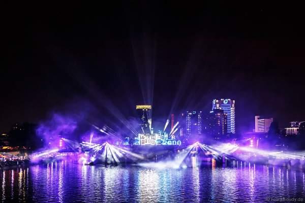 Mega-Lichtshow am Main bei 25 Jahre Tag der Deutschen Einheit in Frankfurt 2015