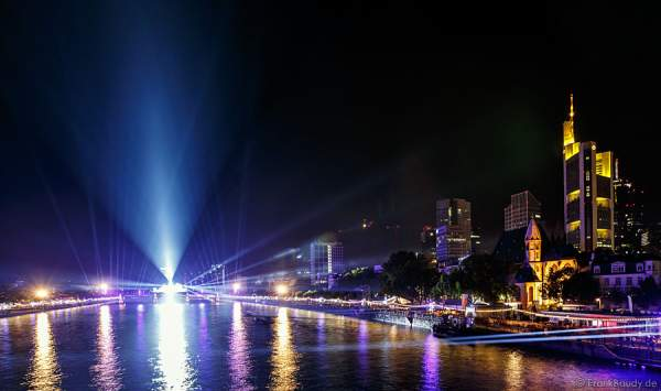 Mega-Lichtshow bei 25 Jahre Tag der Deutschen Einheit in Frankfurt 2015