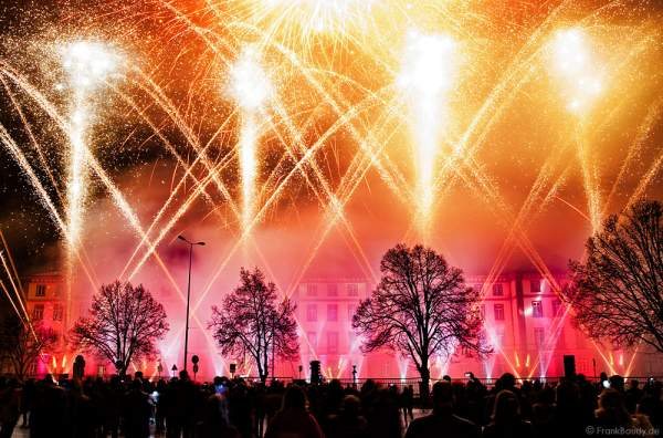 Feuerwerk bei der 900-Jahr-Feier in Haguenau 2015/2016 (Hagenau)