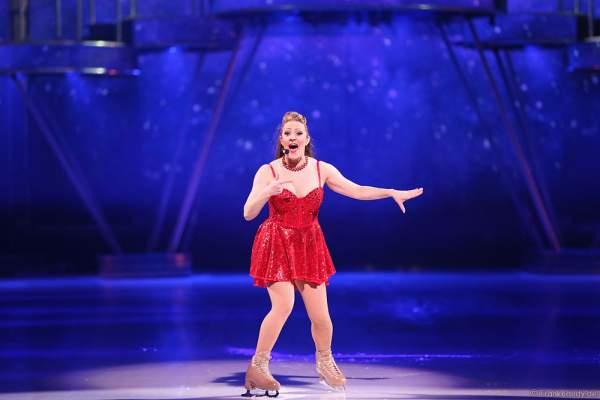 Rachelle Dawn Walker als DJane bei der Eisshow BELIEVE von Holiday on Ice 2015/2016