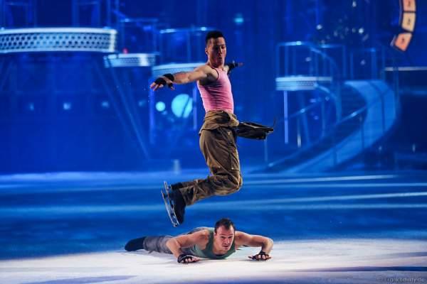 Adam Nadas und Ievgen Lukashenko bei der Eisshow BELIEVE von Holiday on Ice 2015/2016
