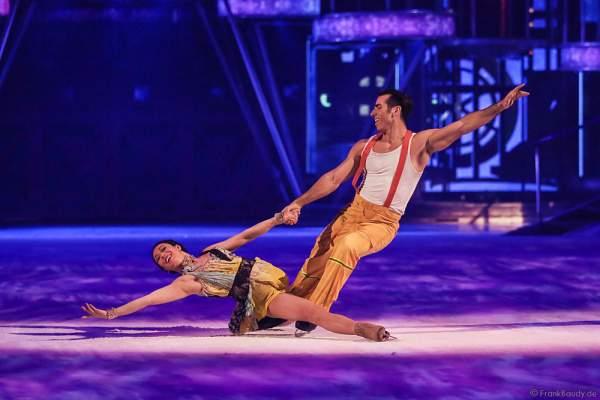 Robin Johnstone als Clarissa und Andrew (Andy) Buchanan als Antonio bei Holiday on Ice Show BELIEVE 2015/2016