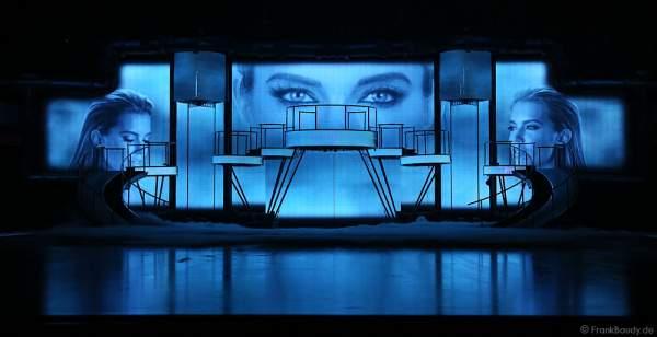 Sylvie Meis als Erzählerin auf großen Screens bei der Holiday on Ice Show BELIEVE 2015/2016