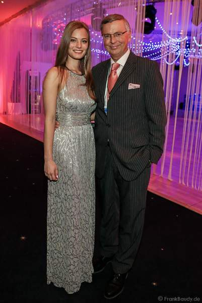 Wolfgang Bosbach mit Tochter Viktoria Bosbach bei der Miss Germany 2016 Wahl im Europa-Park am 20.02.2016