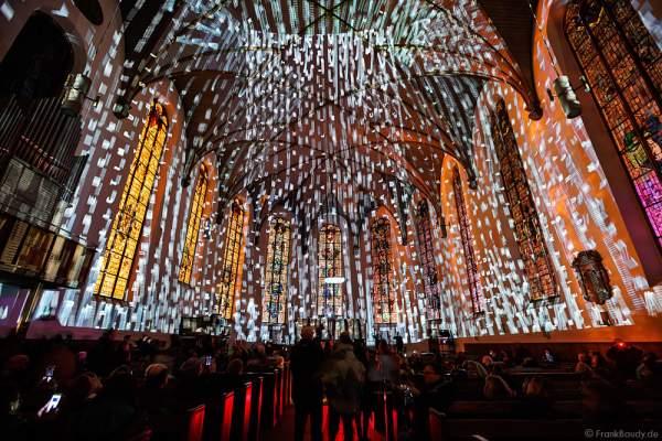 Licht-Installation in der Katharinenkirche bei der Luminale 2016  in Frankfurt