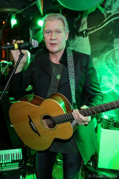 Konzert mit Johnny Logan (Seán Patrick Michael Sherrard O'Hagan) beim ST. PATRICK'S DAY im Hotel Bell Rock Europa-Park in Rust