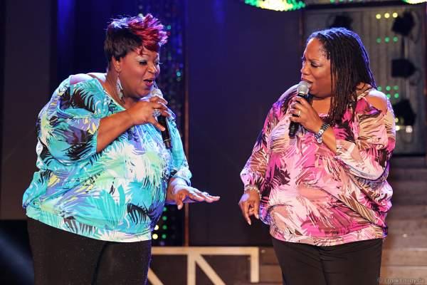 Dynelle Rhodes Dee und Dorrey Lin Lyles von The Weather Girls auf der ConneXion Party der WorldHostingDays 2016 im Europa-Park
