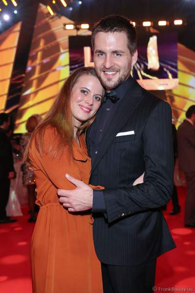 Alexander Klaws und Freundin Nadja Scheiwiller beim PRG LEA 2016 - Live Entertainment Award in der Festhalle in Frankfurt