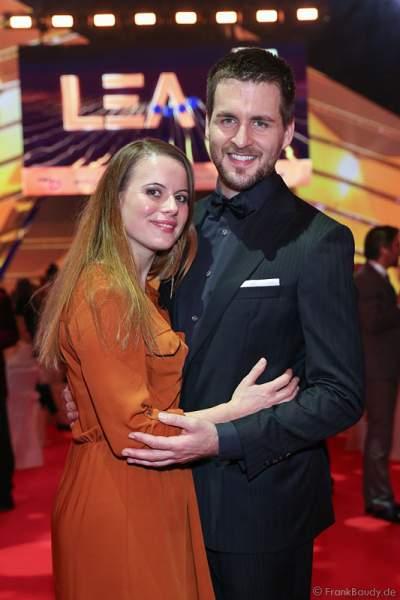 Alexander Klaws und Freundin Nadja Scheiwiller beim PRG LEA 2016 - Live Entertainment Award in der Festhalle in Frankfurt
