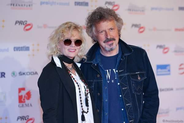 Wolfgang Niedecken mit Ehefrau Tina beim PRG LEA 2016 - Live Entertainment Award in der Festhalle in Frankfurt
