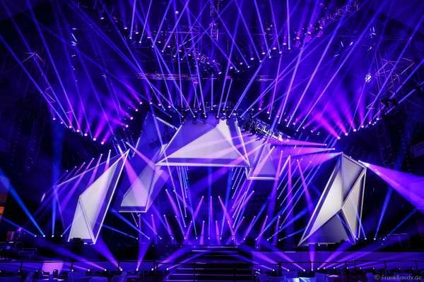 A06 Imposante Demo-Show während der Prolight + Sound 2016 in der Festhalle Frankfurt