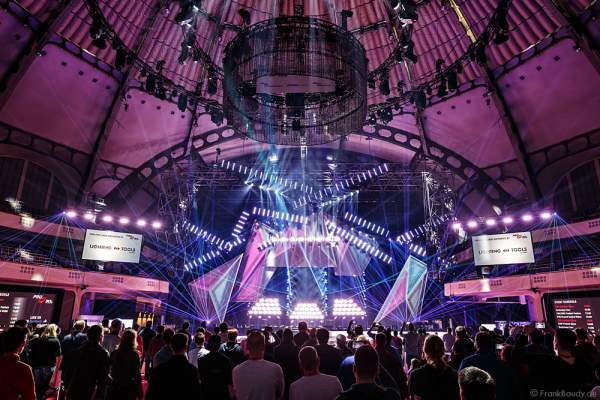 A16 Imposante Demo-Show während der Prolight + Sound 2016 in der Festhalle Frankfurt