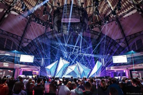 A18 Imposante Demo-Show während der Prolight + Sound 2016 in der Festhalle Frankfurt