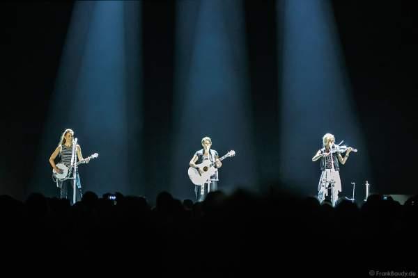 Konzert der Dixie Chicks während ihrer DCX MMXVI World Tour am 17.04.2016 im Hallenstadion in Zürich/Schweiz