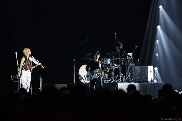 Martie Maguire der Country Band Dixie Chicks während ihrer MMXVI World Tour am 17.04.2016 im Hallenstadion in Zürich/Schweiz