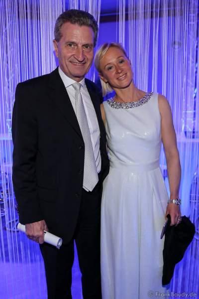 Günther Oettinger mit Lebensgefährtin Friederike Beyer beim Radio Regenbogen Award 2016 am 22. April 2016 im Europa-Park in Rust