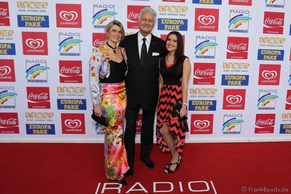 Guido Knopp mit Ehefrau Gabriella und Tochter Katharina beim Radio Regenbogen Award 2016 am 22. April 2016 im Europa-Park in Rust