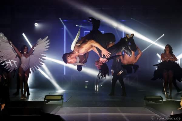 UP-LEON bei der Premiere der neuen Abendshow Night.Beat.Angels am 29. April 2016 im Europa-Park in Rust