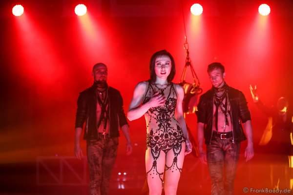 Anastasia Makeeva bei der Premiere der neuen Abendshow Night.Beat.Angels am 29. April 2016 im Europa-Park in Rust