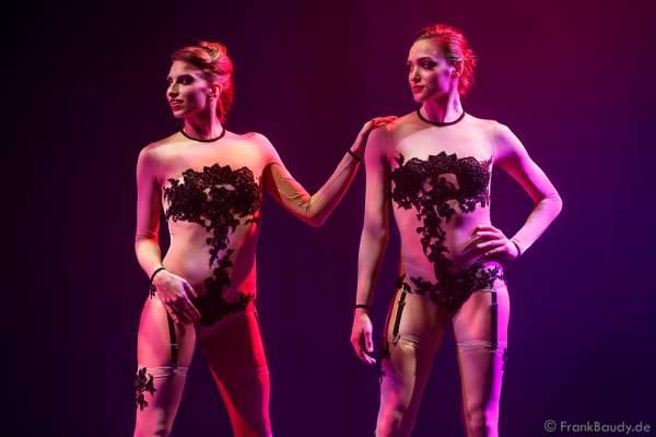 Europa-Park Showballett bei der Premiere der neuen Abendshow Night.Beat.Angels am 29. April 2016 im Europa-Park in Rust