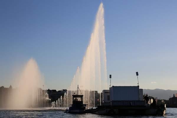 Mobile Wassershow am Abend beim Geneva Lake Festival 2016 - Schweiz