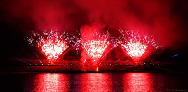Feuerwerk bei Nacht der 1000 Feuer in Oberwesel - Rhein in Flammen 2016