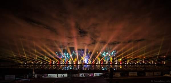 Multimediale Wassershow bei CIRCLE OF LIGHT 2016 in Moskau - Krylatskoye Grebnoy Channel