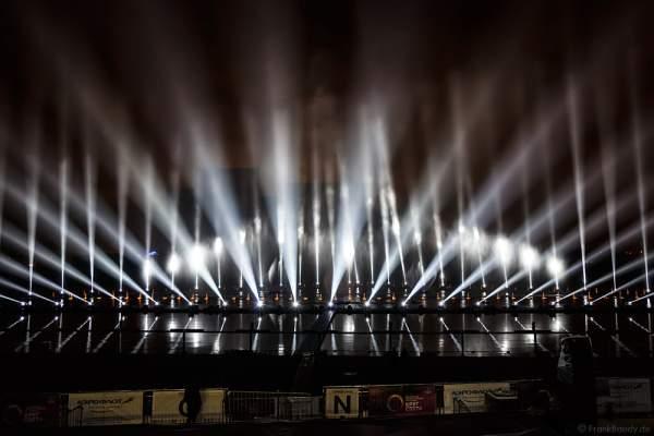 Lichtspektakel am Grebnoy Channel in Krylatskoye bei CIRCLE OF LIGHT 2016 in Moskau