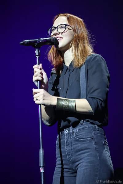 Stefanie Heinzmann bei der Deutschlandpremiere von Night of the Proms 2016 in der SAP Arena Mannheim