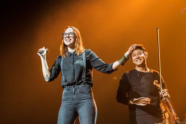 Stefanie Heinzmann und Time For Three bei der Deutschlandpremiere von Night of the Proms 2016 in der SAP Arena Mannheim