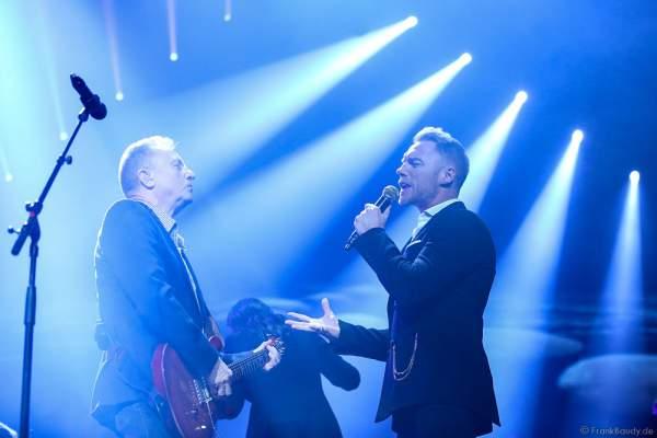 John Miles und Ronan Keating bei der Deutschlandpremiere von Night of the Proms 2016 in der SAP Arena Mannheim