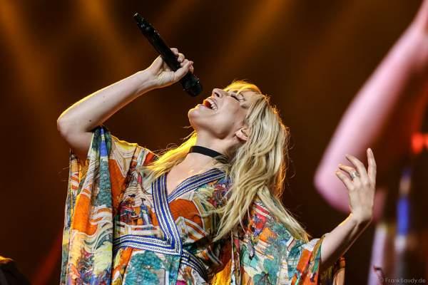 Natasha Bedingfield bei der Deutschlandpremiere von Night of the Proms 2016 in der SAP Arena Mannheim