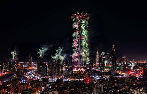 Fireworks at the Burj Khalifa - New Year's Eve gala show 2016-2017 Downtown Dubai