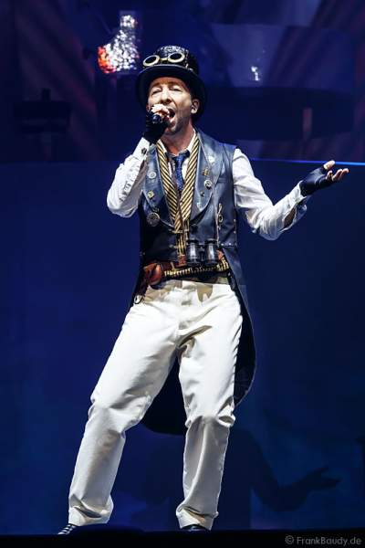 DJ BoBo feierte mit neuer Show MYSTORIAL große Weltpremiere am 13. Januar 2017 im Europa-Park Rust