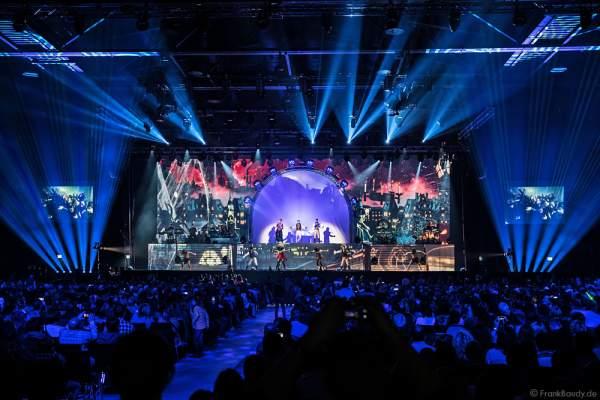 Lightshow bei neuer Show MYSTORIAL von DJ BoBo bei der großen Weltpremiere am 13. Januar 2017  in der Europa-Park Arena Rust
