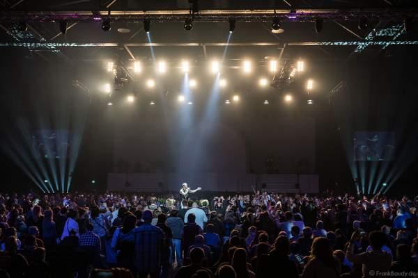 DJ BoBo im Publikum bei der Weltpremiere der Show MYSTORIAL am 13. Januar 2017 im Europa-Park Rust