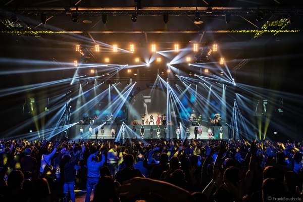 Große Lichtshow bei neuen Show MYSTORIAL von DJ BoBo bei der Weltpremiere am 13. Januar 2017 im Europa-Park Rust