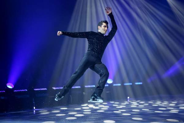 Mauro Bruni bei der Eisshow TIME von Holiday on Ice in der SAP Arena Mannheim