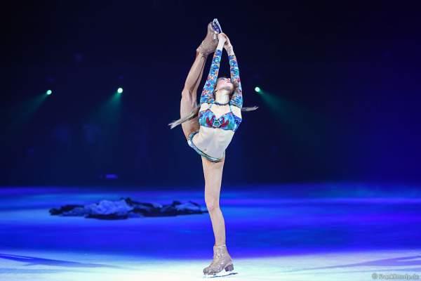 Valeria Morozenko bei der Eisshow TIME von Holiday on Ice in der SAP Arena Mannheim 2017