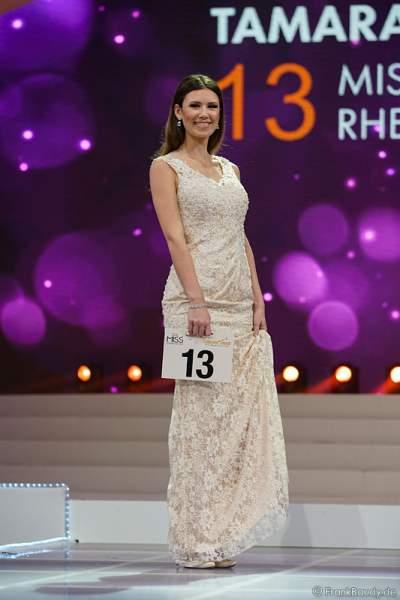 Miss Rheinland-Pfalz 2017, Tamara Hellmann im Abendkleid bei der Vorstellung zur Wahl der Miss Germany 2017