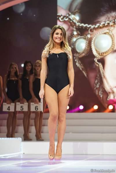 Miss Hessen 2017, Aleksandra Modic im Badeanzug bei der Wahl zur Miss Germany 2017 im Europa-Park am 18. Februar 2017