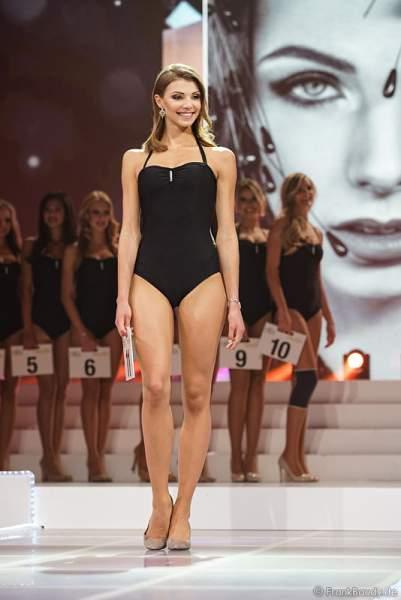 3. Miss Germany 2017 Sarah Strauß (Miss Bremen 2017) im Badeanzug bei der Wahl zur Miss Germany 2017 im Europa-Park am 18. Februar 2017
