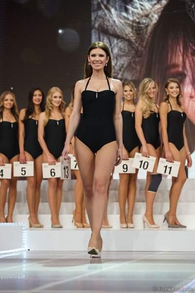 Miss Rheinland-Pfalz 2017, Tamara Hellmann im Badeanzug bei der Wahl zur Miss Germany 2017 im Europa-Park am 18. Februar 2017