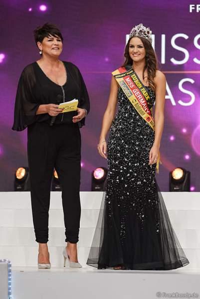 Miss Germany 2016 Lena Bröder kurz vor der Krönung der Miss Germany 2017 im Europa-Park