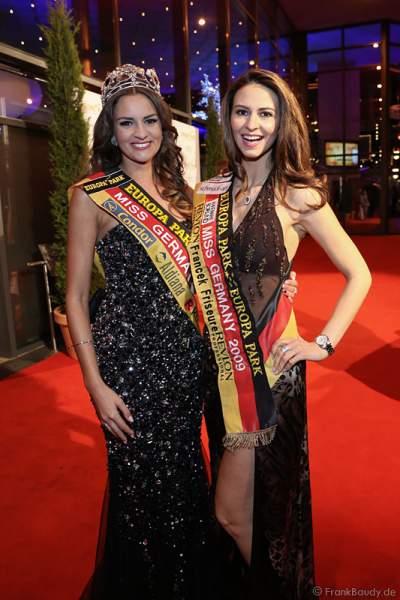 Miss Germany 2016 Lena Bröder und Miss Germany 2009 Doris Schmidts kurz vor der Krönung der Miss Germany 2017 im Europa-Park