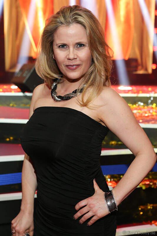 Gina Wild Reitet