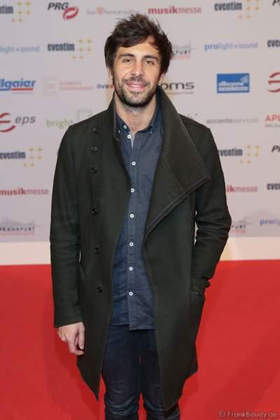Max Giesinger auf dem roten Teppich beim PRG Live Entertainment Award (LEA) 2017 in der Festhalle in Frankfurt