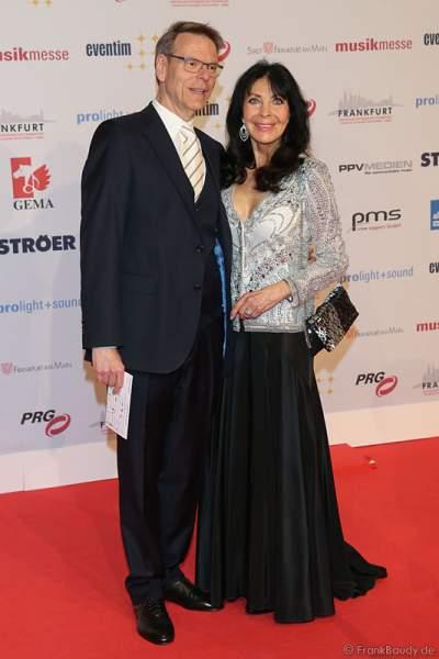 Dunja Rajter und Michael Eichler auf dem roten Teppich beim PRG Live Entertainment Award (LEA) 2017 in der Festhalle in Frankfurt
