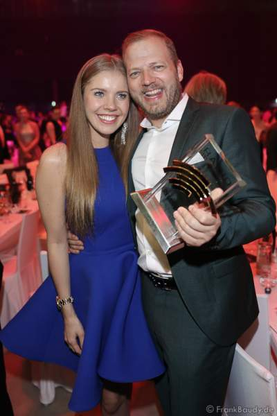 Victoria Swarovski und Mario Barth beim Radio Regenbogen Award 2017 am 07. April in der Europa-Park Arena in Rust