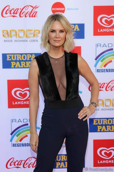 Monica Meier-Ivancan im sexy Outfit beim Radio Regenbogen Award 2017 am 07. April in der Europa-Park Arena in Rust